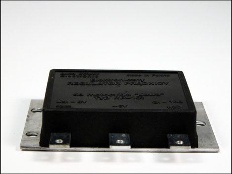 FESZÜLTSÉGSZABÁLYZÓ  6V (Motor-robogó alkatrész)