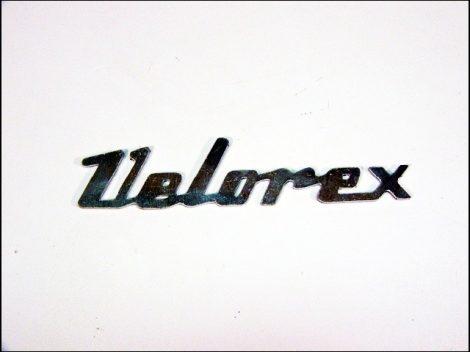 """FELIRAT BURKOLATRA """"VELOREX"""" (Motor-robogó alkatrész)"""